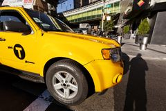 Taxi jaune dans NY Photographie stock