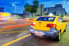 Taxi in Keelung alla notte Fotografie Stock Libere da Diritti