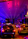 Taxi nella linea alle sabbie della baia del porticciolo Immagine Stock