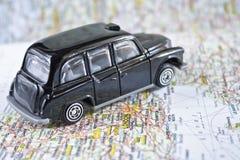 Taxi noir iconique de Londres images stock