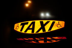 Taxi o sinal imagens de stock
