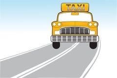 Taxi op de manier Stock Foto