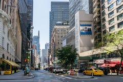 Taxi på gatan av New York Arkivbild