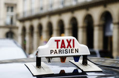 Taxi a Parigi immagine stock