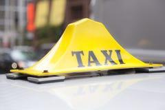 Taxi podpisuje wewnątrz Toronto Zdjęcie Stock