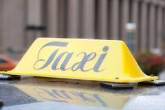 Taxi podpisuje wewnątrz Toronto Obrazy Stock
