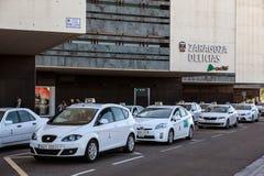 Taxi przy dworcem w Zaragoza Zdjęcia Royalty Free