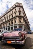 Taxi retro en La Habana Foto de archivo libre de regalías