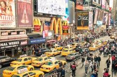 Taxiar och trafikstockning i Times Square - New York City Royaltyfri Fotografi
