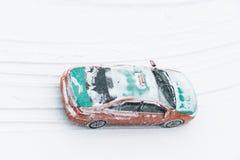 Taxidrev i snö under vinter Royaltyfri Bild