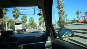 Taxifahrt um Barcelona stock footage