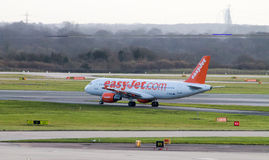 Taxiing de EasyJet Airbus A319 fotografia de stock