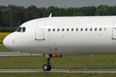Taxiing do avião do jato Fotografia de Stock Royalty Free