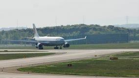 Taxiing plano de Air China Airbus no aeroporto de Francoforte, FRA