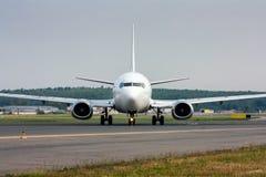 Taxiing samolot na głównym taxiway Fotografia Stock