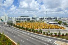 Taxirang på Miami den internationella flygplatsen arkivbild