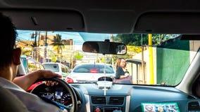 Taxiritt i centret av Manila royaltyfri foto