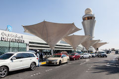 Taxis bei Abu Dhabi International Airport Stockbild