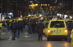 Taxis blockieren die Mitte in am 24. März 2016 herein Sofia, Bulgarien Stockbilder