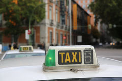 Taxis de Madrid images stock