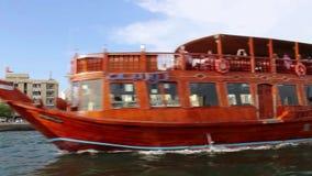 Taxis del agua y barcos de placer metrajes