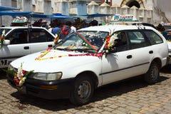 Taxis, die Anwäter für Segen in Copacabana, Bolivien stehen Lizenzfreies Stockfoto