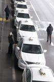 Taxis en el aeropuerto de Kyiv Foto de archivo