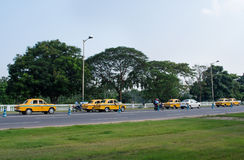 Taxis jaunes dans Kolkata, Inde Photo stock