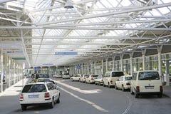 Taxis am München-Flughafen Stockfoto