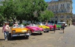 Taxis retros de La Habana Foto de archivo libre de regalías