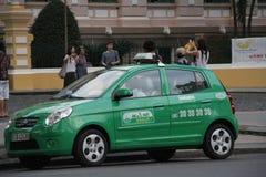 Taxitaxi i den Ho Chi Minh staden Royaltyfri Foto