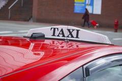 Taxitaxiar i Vancouver - VANCOUVER - KANADA - APRIL 12, 2017 Royaltyfria Foton