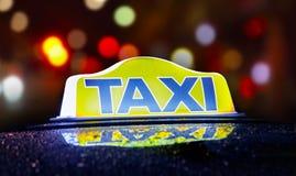 Taxizeichen Lizenzfreie Stockfotografie
