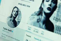 Taylor Swift-Gezwitscherkonto lizenzfreies stockbild