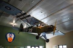 Taylorcraft L-2 Avions de reconnaissance américains dans la deuxième guerre mondiale Jaune peint pour l'exposition images libres de droits