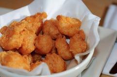Tazón de fuente de camarón frito imagen de archivo libre de regalías