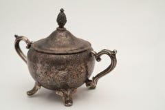 Tazón de fuente de cobre amarillo antiguo Imagen de archivo