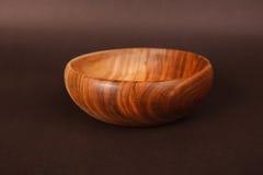 Tazón de fuente de madera aislado Imagen de archivo libre de regalías