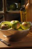 Tazón de fuente de manzanas Fotografía de archivo