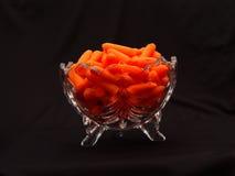 Tazón de fuente de zanahorias de bebé Fotos de archivo