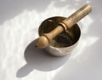 Tazón de fuente del canto de Buddist Fotografía de archivo libre de regalías