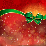 Tazón de fuente verde en un fondo rojo Fotografía de archivo libre de regalías