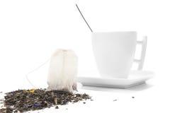 Taza blanca con la bolsita de té Fotografía de archivo libre de regalías