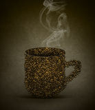 Taza caliente de concepto de los granos de café Fotos de archivo