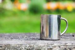 Taza de acero outdoor Fotografía de archivo