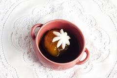 Taza de bolas de arroz pegajoso rellenas Imagen de archivo libre de regalías