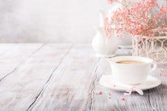 Taza de café blanca fotografía de archivo libre de regalías