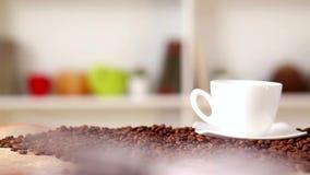 Taza de café caliente fresco almacen de video