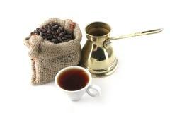 Taza de café con el bolso y el turco Fotografía de archivo