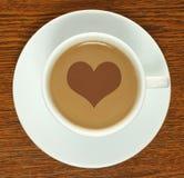 Taza de café con el corazón foto de archivo libre de regalías